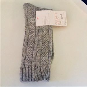 NORDSTROM WOMENS CASHMERE BLEND CABLE CREW SOCKS